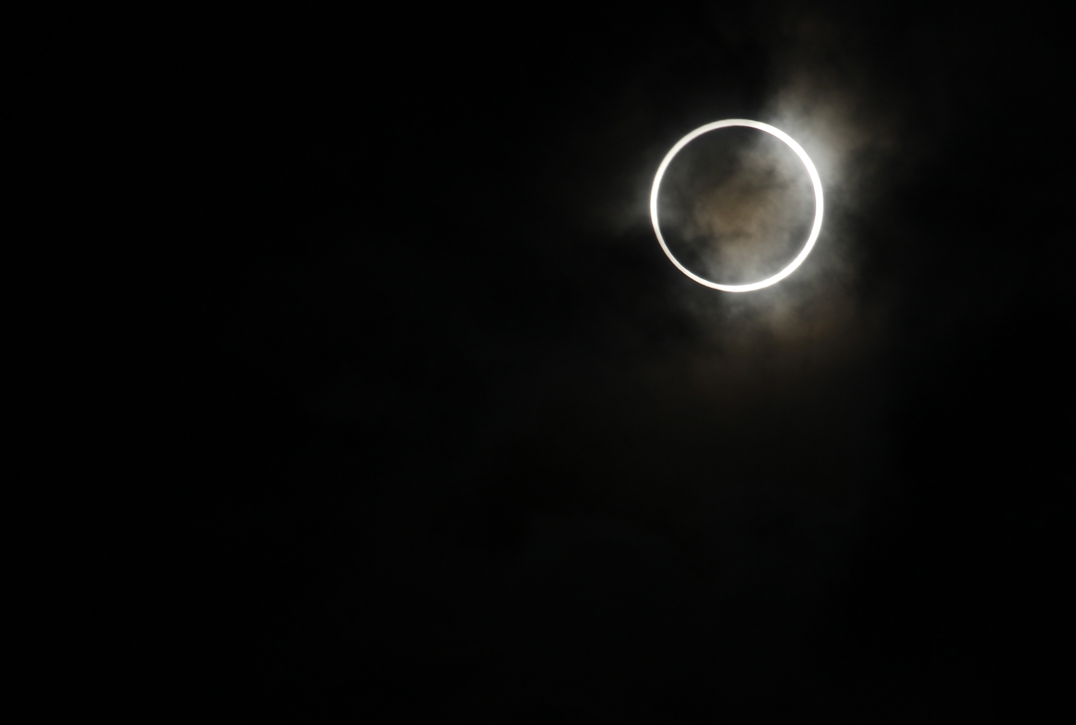 Eclipse de ayer, fotos, y vídeo.