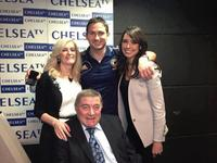 Bobby Tumbling (202 goles), Frank Lampard (201 goles), su novia y la hija de Tumbling :alaba: